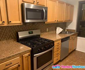 Kitchen, 1001 Saint Paul St