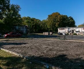 Pinebrook Pointe, Parkway Village, Memphis, TN