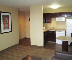 Kitchen, Furnished Studio - Tampa - Airport - N. Westshore Blvd.