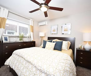 Bedroom, The Avenue on Frankfort