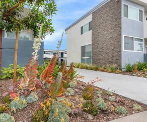 Park Apartments, Bellflower, CA