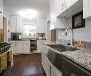 Kitchen, 3287 Annandale Rd