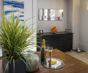 Leasing Office, Grandview Flats and Townhomes