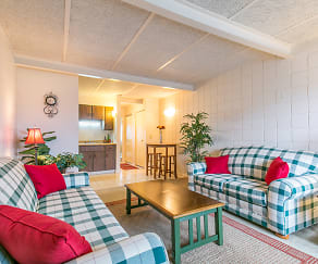 Living Room, Bedford Meadows of Ottawa Lake