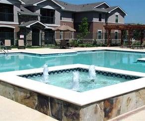 Pool, Rosemont at Ash Creek