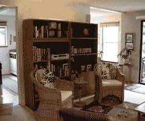 Living Room, Alameda West