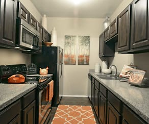 Kitchen, The Park at Cedar Lawn Apartments