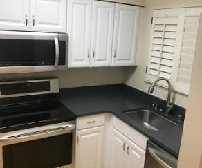 Kitchen, 15 Teresita Blvd
