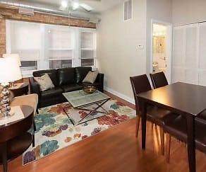 Living Room, 925 W. Dakin