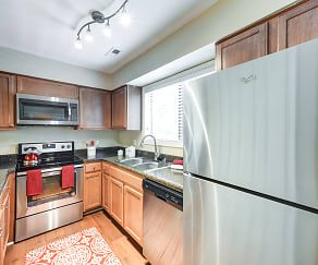 Kitchen, Edwards Mill Townhomes and Apartments