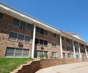 Building, Bryant Manor Apartments