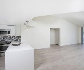 Living Room, Waterways Village Apartments