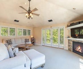 Living Room, 1310 Summit Drive