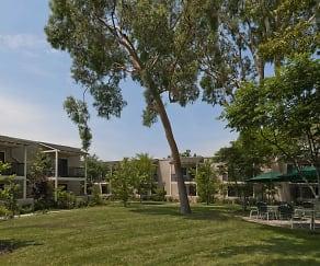 Landscaping, Covina Gardens Senior Living