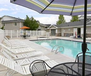 Pool, Thorneberry Atrium Senior Living 55+