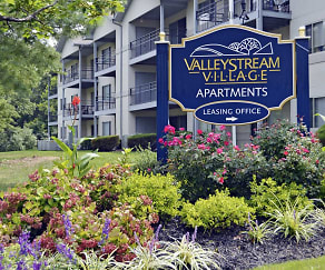 Building, Valley Stream Village Apartments