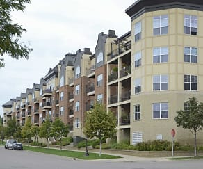 Building, River Crossing Apartments And Townhomes