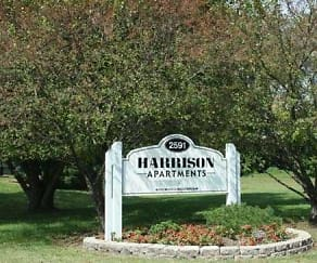 Landscaping, Harrison Apartments of Terre Haute
