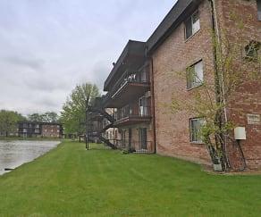 Building, Hickory Ridge Lake