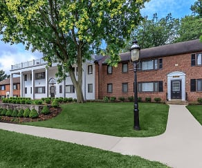 Building, Drexelbrook Residential Community