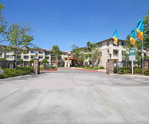 Building, Royal Oaks Apartments