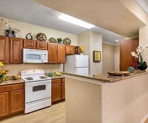 Kitchen, Villas in Westover Hills