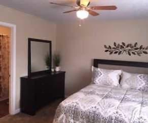 Bedroom, Branson Creek Commons