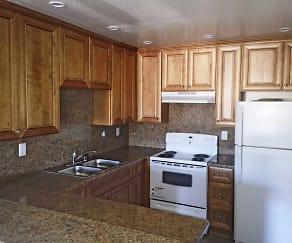 Kitchen, Diamond Pointe Apartments