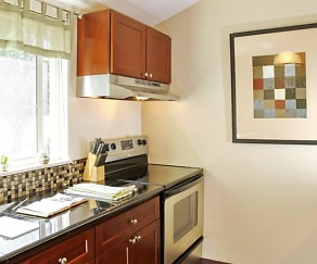 Kitchen, The Bluffs at Mountain Park