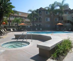 Pool, Emerald Ridge