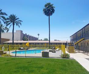 Pool, 400 Pasadena