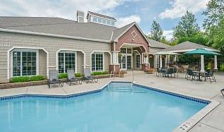 Pool, Parkers Lake Apartments