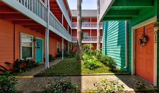 Courtyard, Residence at West Beach