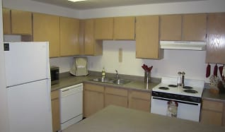 Kitchen, Thorneberry Atrium Senior Living 55+