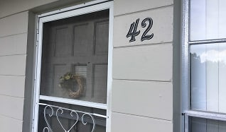 2426 Persian Dr Apt 42, South Highpoint, FL