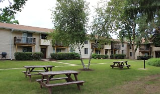 Building, Arbor Lakes At Middleton