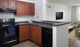 Kitchen, Avalon at Glen Cove