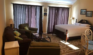 Living Room, 3700 Golf Colony Drive