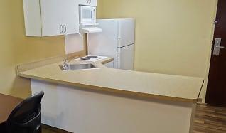 Kitchen, Furnished Studio - Detroit - Roseville