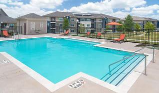 Pool, Stallion Pointe