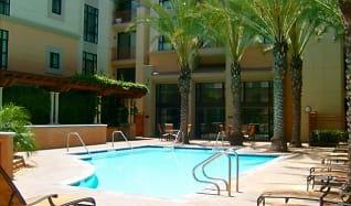 Pool, Pasadena Gateway Villas