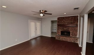 Living Room, 3309 Courtland Pl