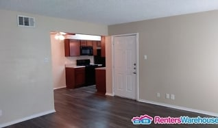 717 W Buckingham Rd., Apt 8, Oakridge, Garland, TX