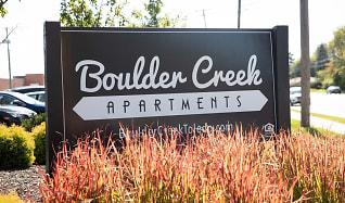 Community Signage, Boulder Creek Apartment Homes
