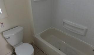 Bathroom, 910 26th Ave NE #2