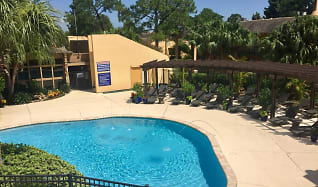 Pool, Forest Isle Apartments