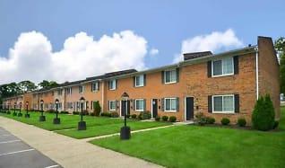 Building, Symmes Townhouses & Apartments