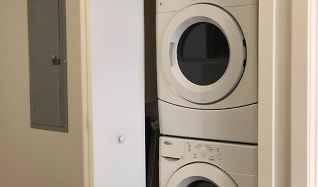 Washer/Dryer, Twin River Commons