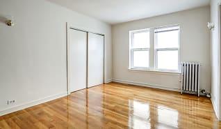 Living Room, 5036 N Sheridan
