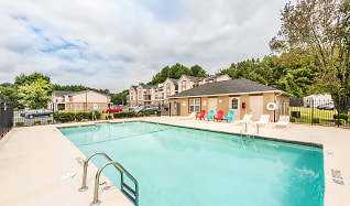 Pool, Crown Point at Kingsport Drive